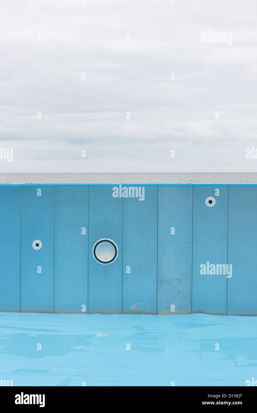 Drained pool stock photos drained pool stock images alamy - The strand swimming pool gillingham ...