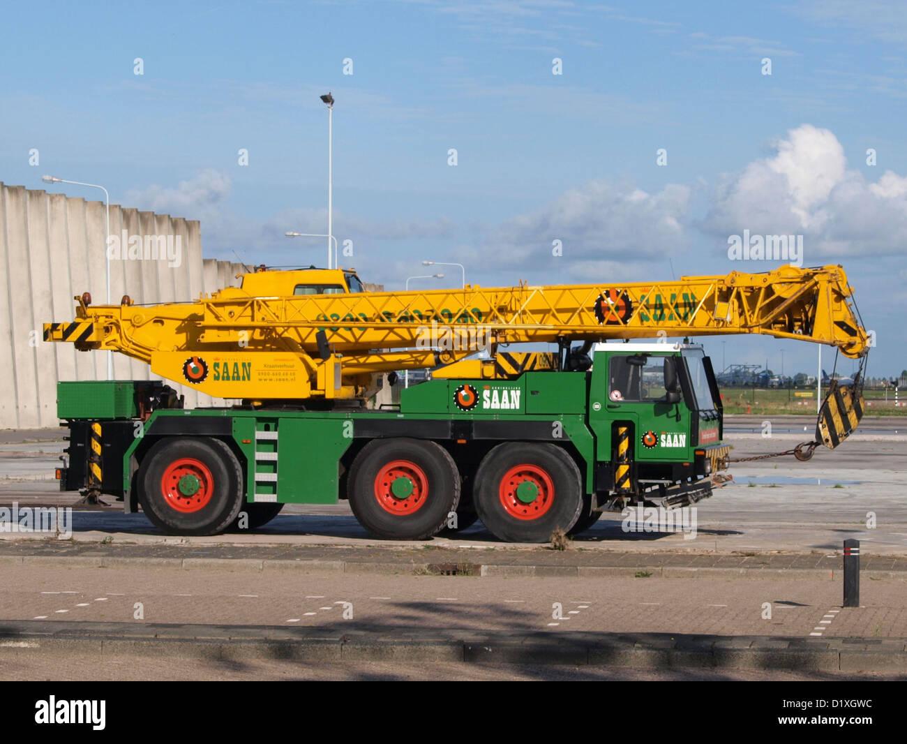 mobile crane Liebherr LTM1040 winch hook - Stock Image