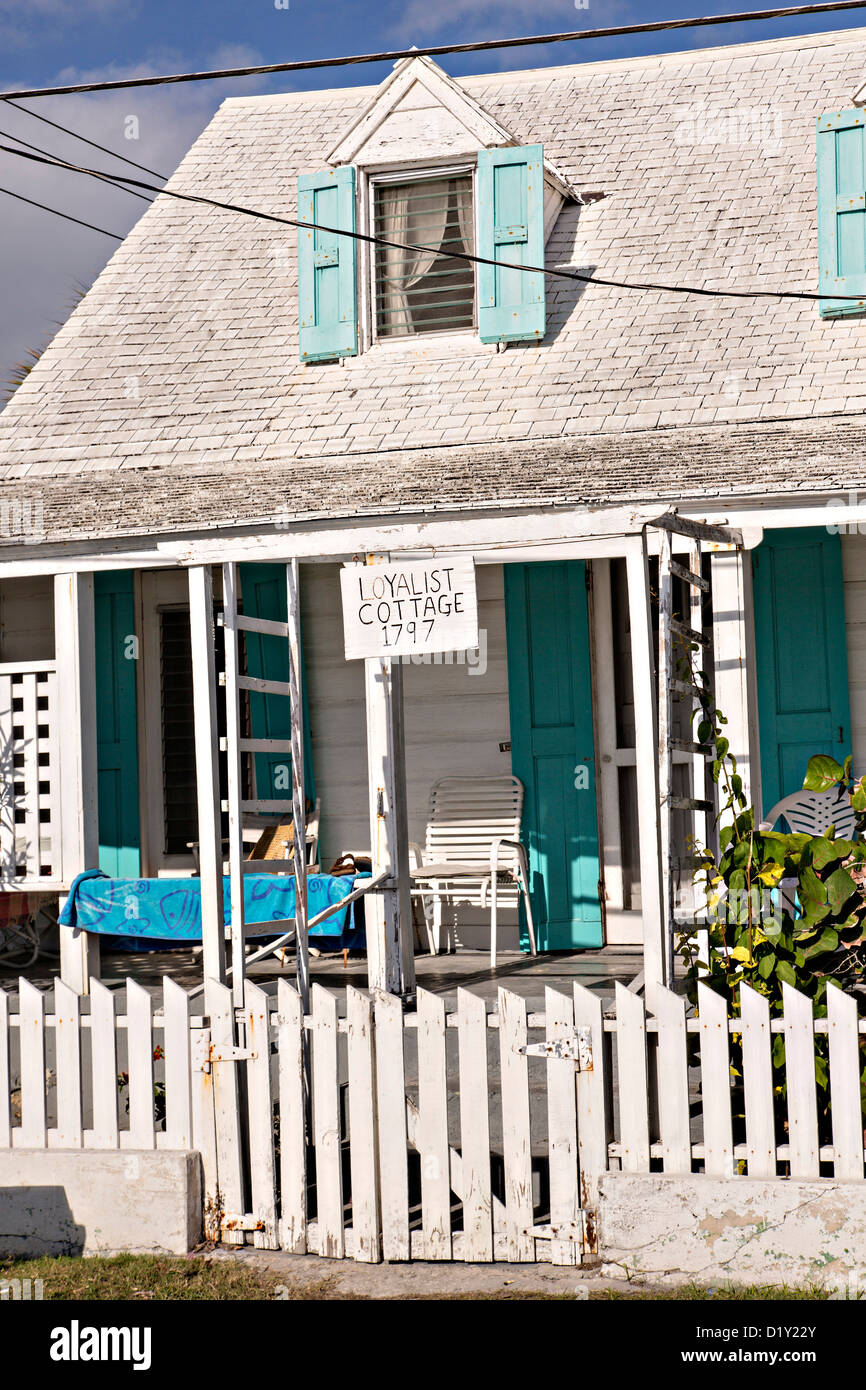 Old clapboard Loyalist Cottage in Dunmore Town, Harbour Island, The Bahamas - Stock Image