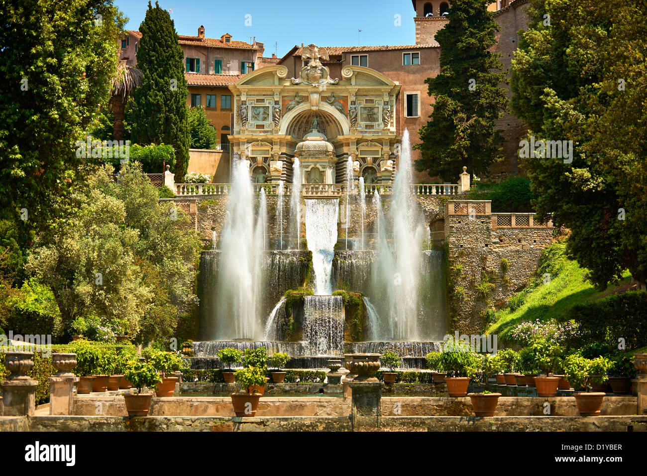 The water jets of the Organ fountain, Villa d\'Este, Tivoli, Italy ...