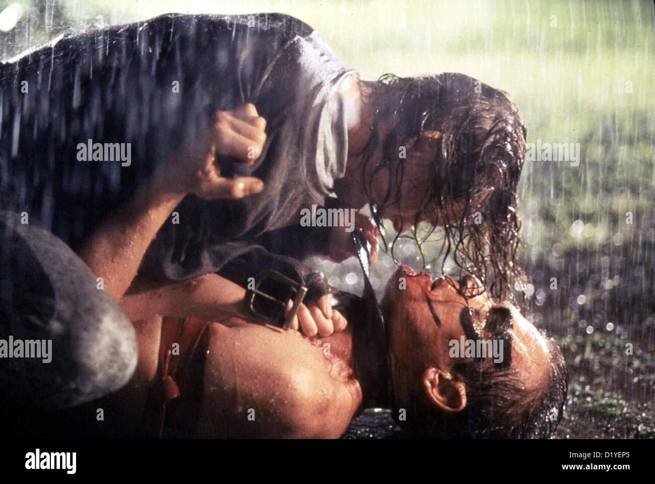 Der Fluch Des Dschungels   Last Gasp   Leslie Chase (Robert Patrick), Nora Weeks (Joanna Pacula) *** Local Caption - Stock Image
