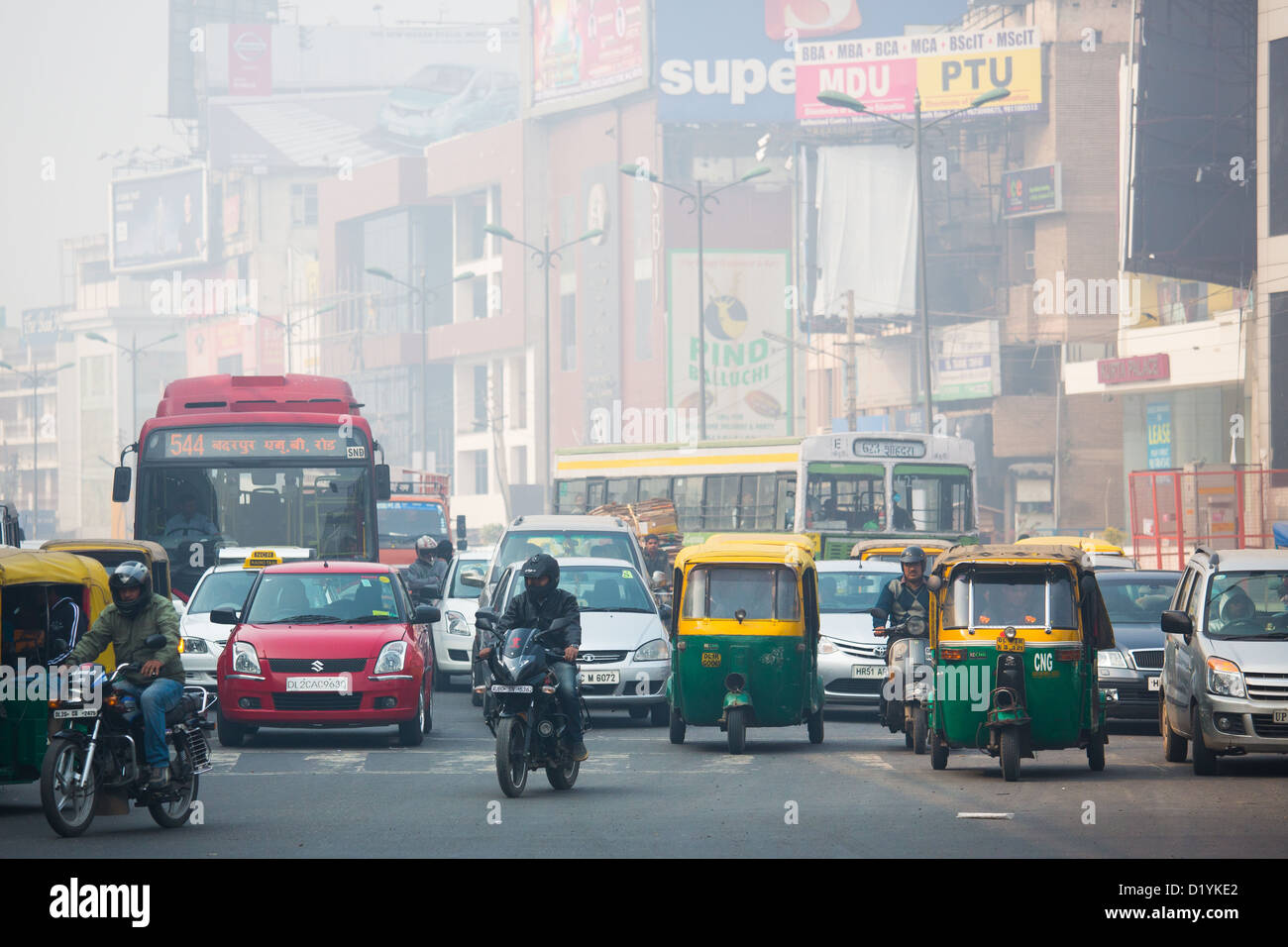 South extention, traffic and air pollution, Delhi, India - Stock Image