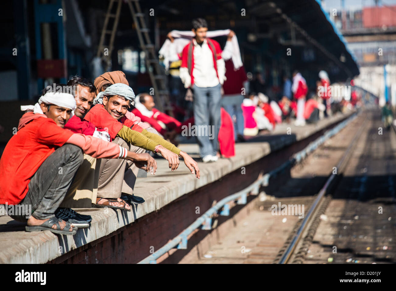 Porters at New Delhi Railway Station, Delhi, India - Stock Image