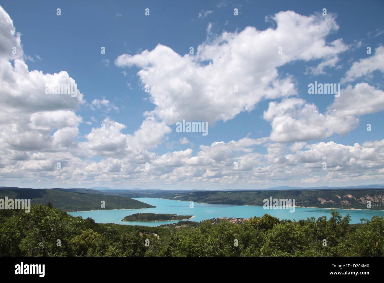 The reservoir Lac de Sainte-Croix at Aiguines in Provence, France Stock Photo
