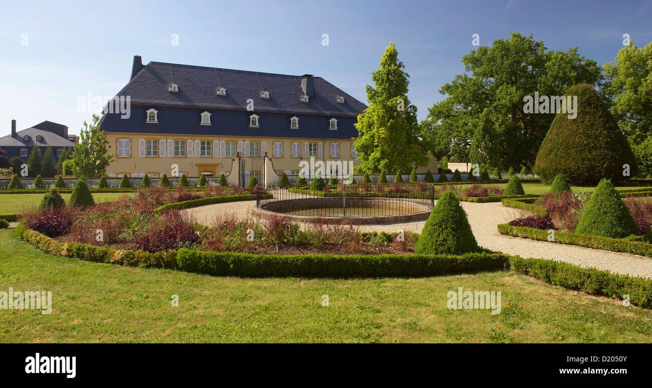 Palais von Nell with baroque garden, Gaerten ohne Grenzen, Perl, Saarland, Germany, Europe - Stock Image