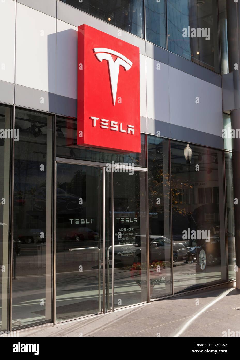 Tesla storefront - Washington, DC - Stock Image