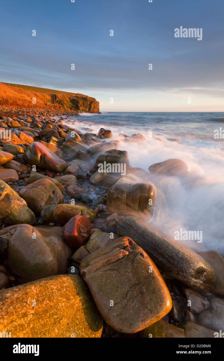 Dingieshowe rocky beach, Orkney isles - Stock Image