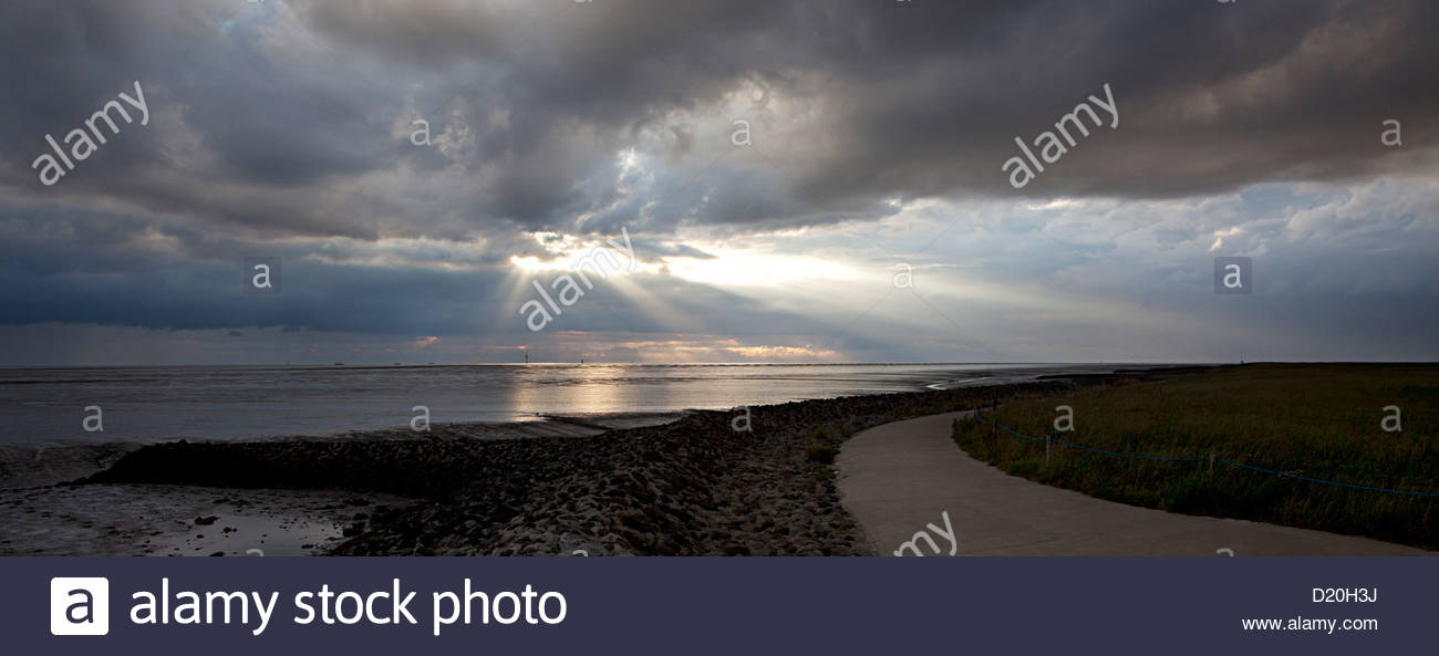 Coastline with tidal flat, Wremen, Cuxhaven, Lower saxony, Germany - Stock Image