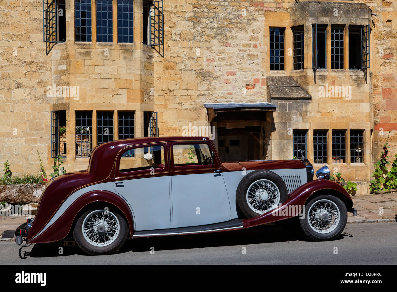 Classic car at High Street, Chipping Camden, Gloucestershire, Cotswolds, England, Great Britain, Europe - Stock Image