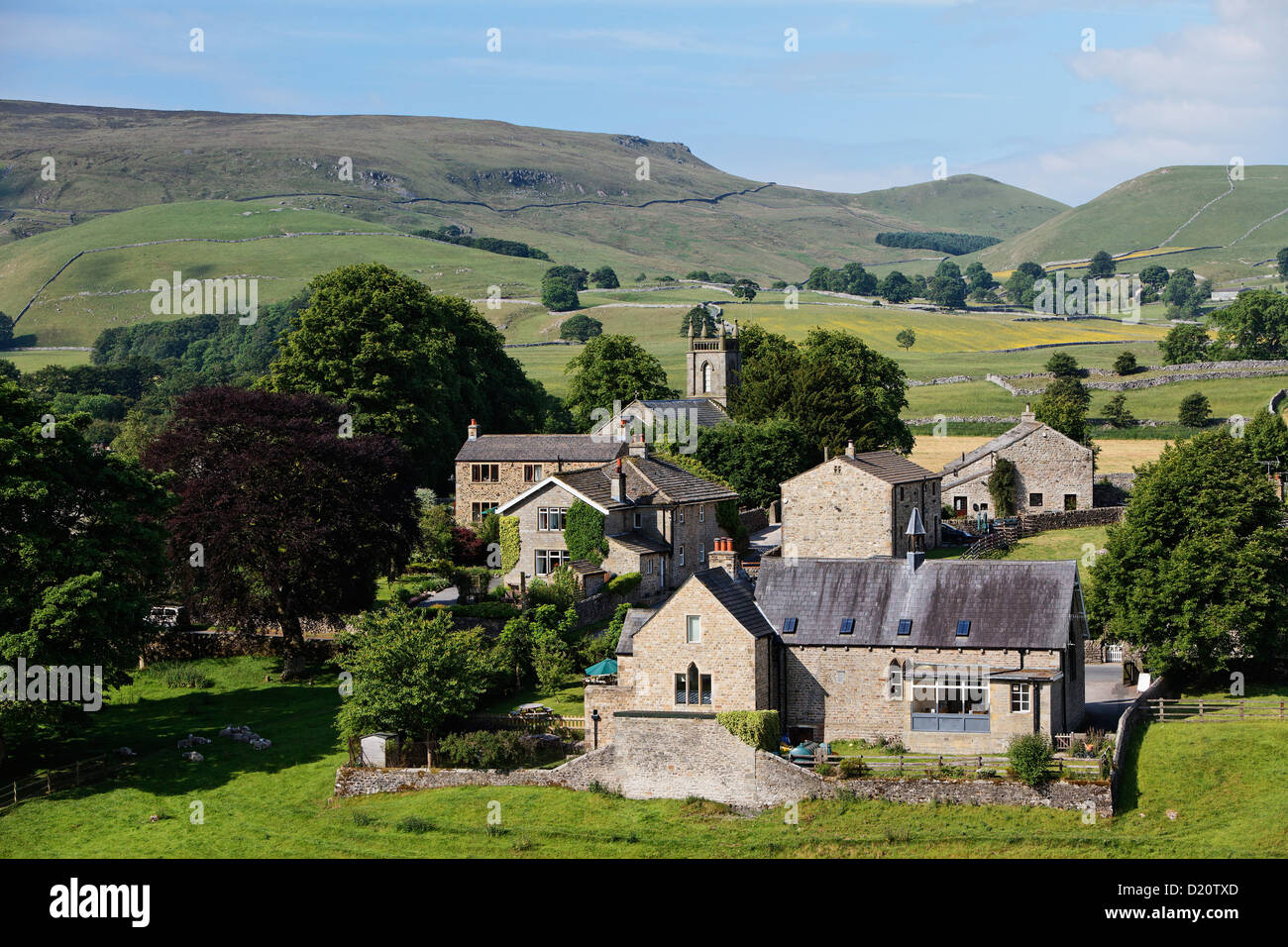 Houses at idyllic hilly landscape, Hebden, Yorkshire Dales National Park, Yorkshire Dales, Yorkshire, England, Great - Stock Image