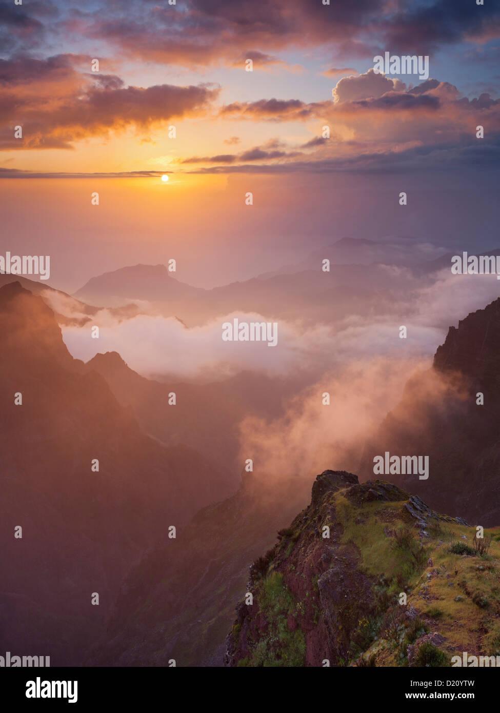 Sunrise at Miradouro Ninho da Manta, Pico do Arieiro, Madeira, Portugal Stock Photo
