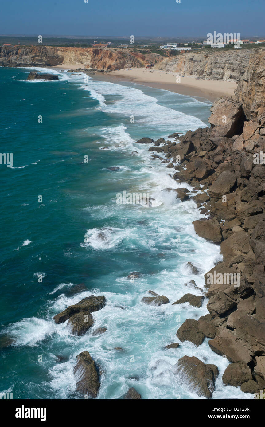 Beach and cliffs at the Atlantic Ocean, near Sagres, view onto the sea, Algarve, Portugal, Europe - Stock Image
