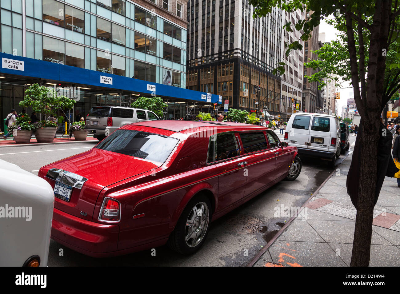 Red Rolls Royce High Resolution Stock Photography And Images Alamy
