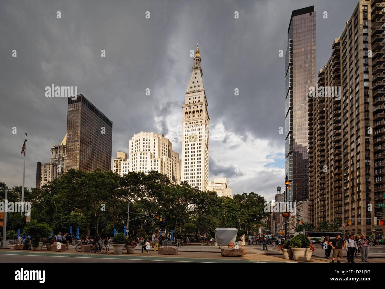 Madison Square Park, Met Life Tower und Metropolitan Life North Building, Fith Avenue, Manhattan, New York City, - Stock Image