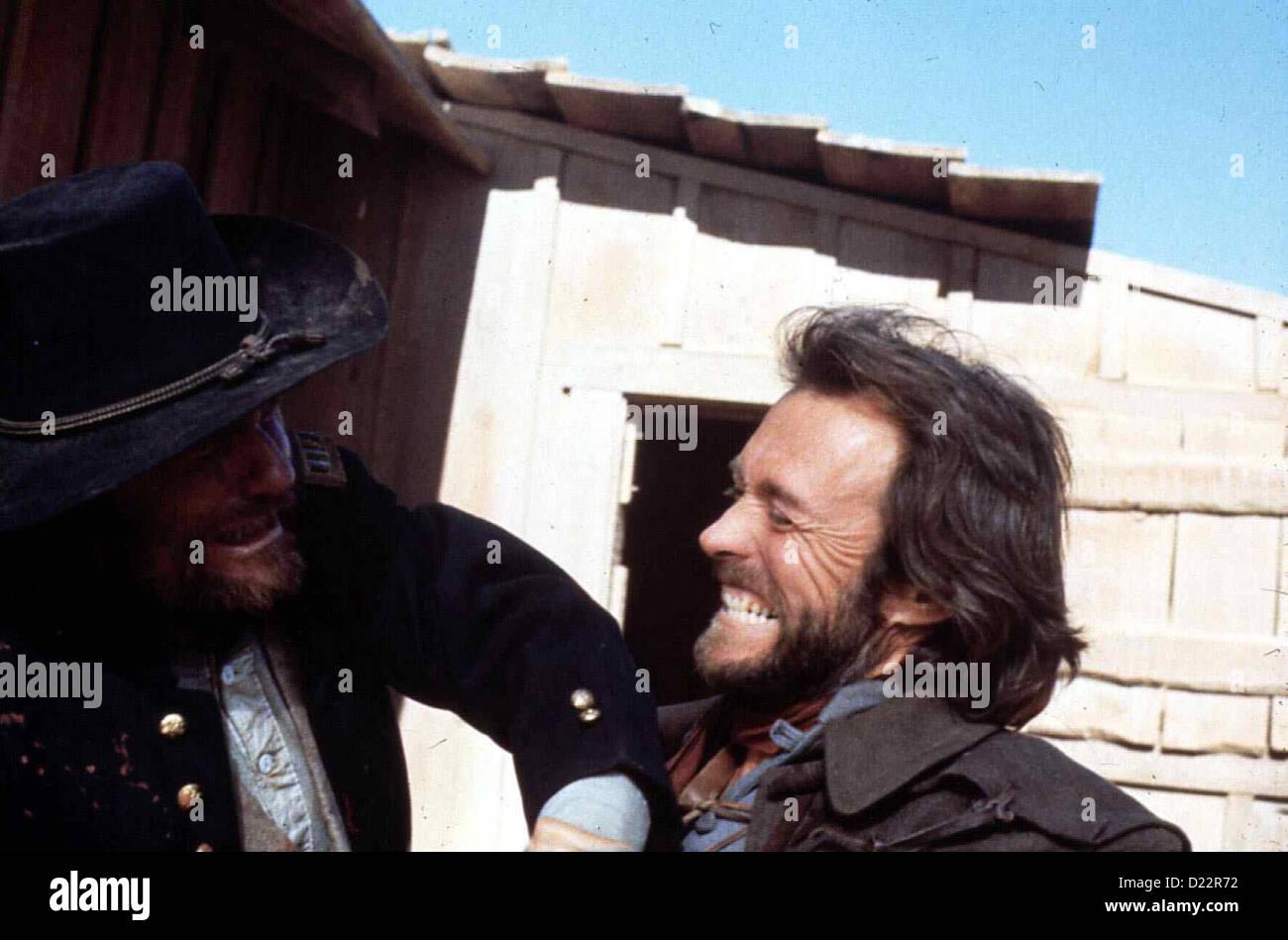 Der Texaner  Outlaw Josey Wales,  Clint Eastwood Nachdem ein Trupp von Unions-Soldaten seine Familie ermordet und - Stock Image