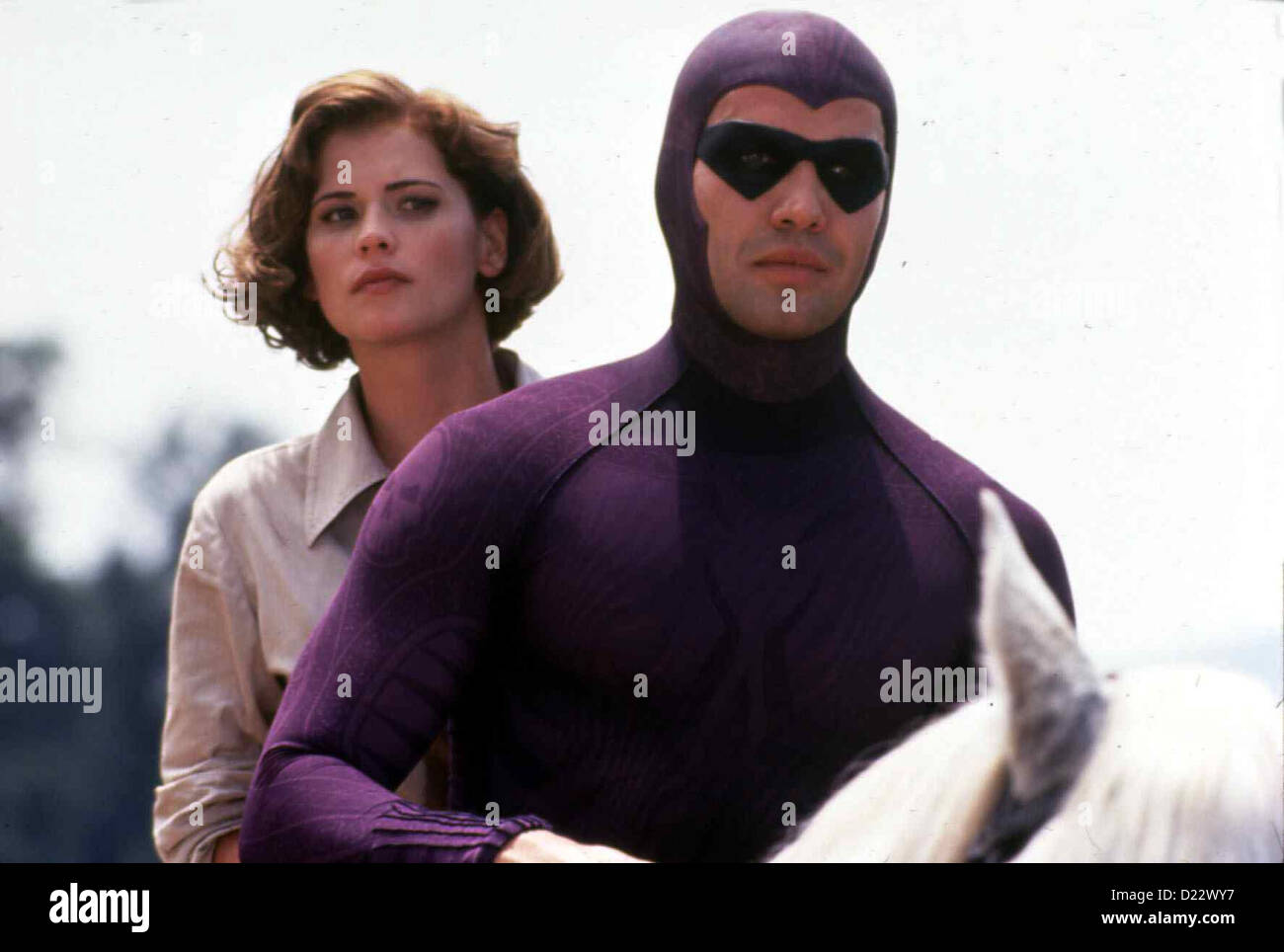Das Phantom   Phantom, The   Diana Palmer (Kristy Swanson), Phantom/Kit Walker (Billy Zane) *** Local Caption *** - Stock Image