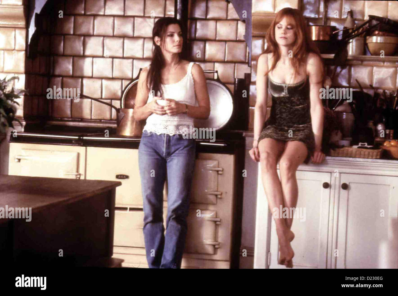 Zauberhafte Schwestern  Practical Magic  Sally Owens (Sandra Bullock), Gillian Owens (Nicole Kidman) *** Local Caption - Stock Image