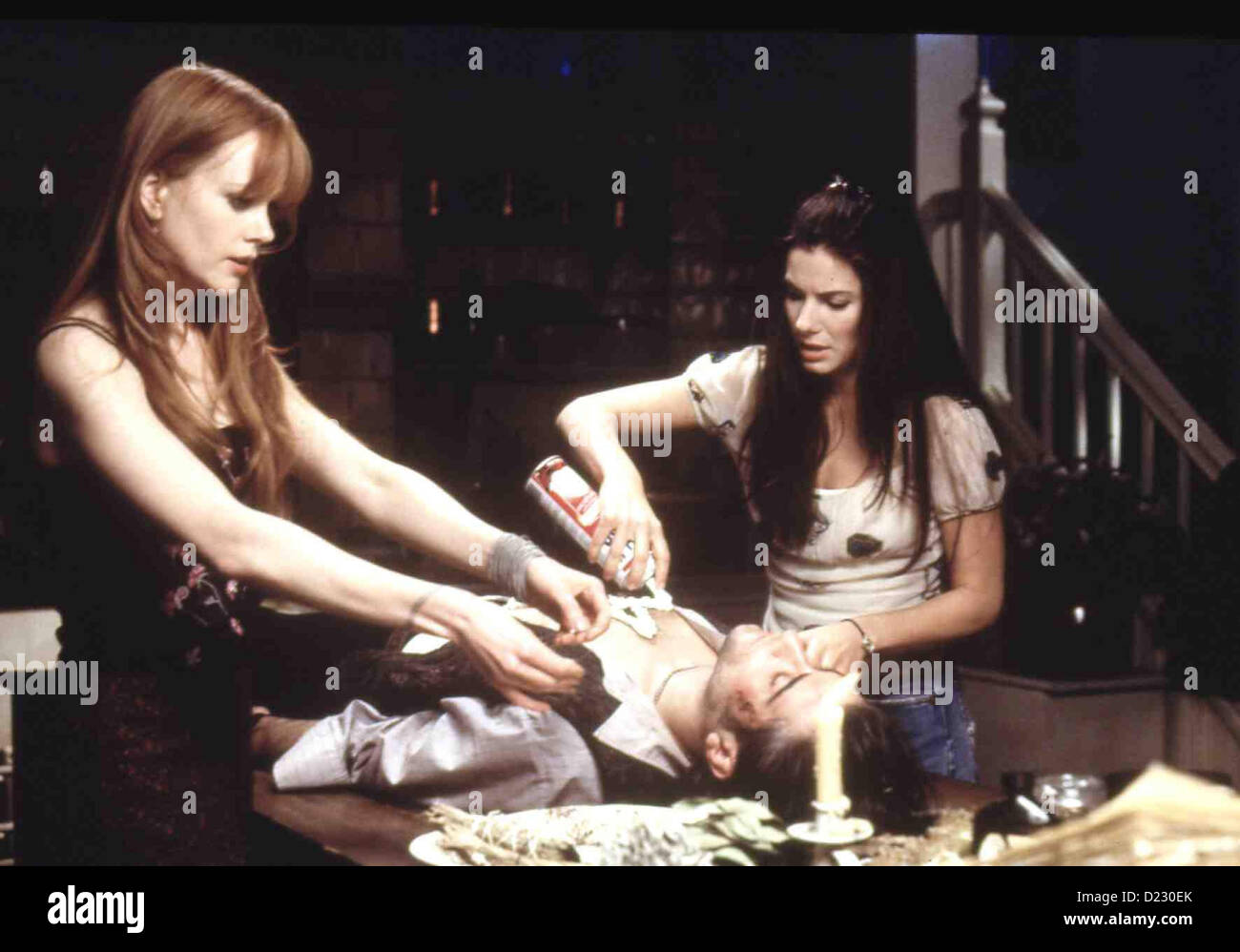 Zauberhafte Schwestern  Practical Magic  Gillian Owens (Nicole Kidman), Jimmy (Goran Visnjic), Sally Owens (Sandra - Stock Image