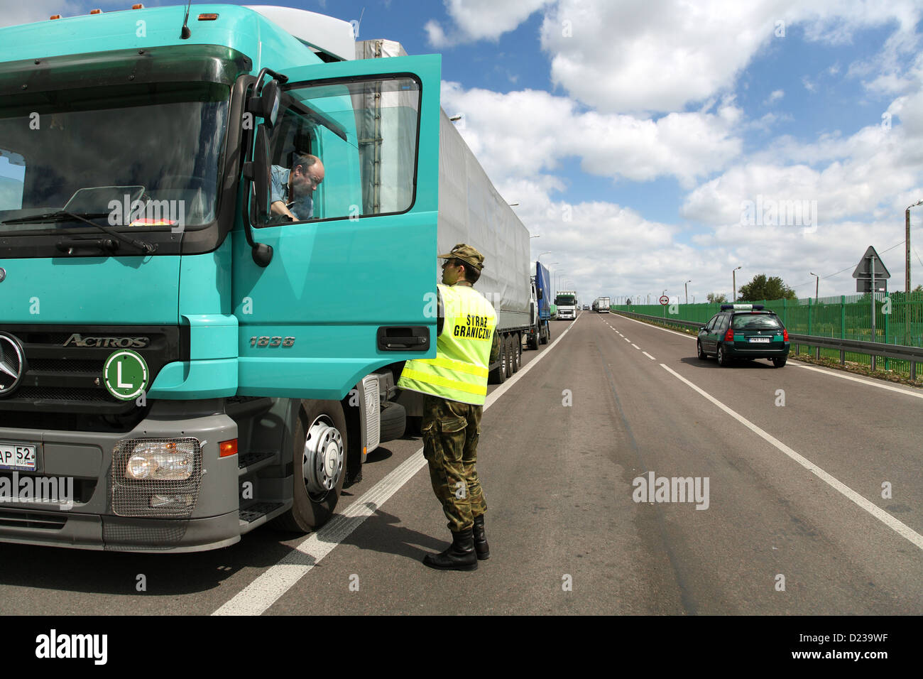 Koroszczyn, Poland, border guards in the control of a truck on exports - Stock Image