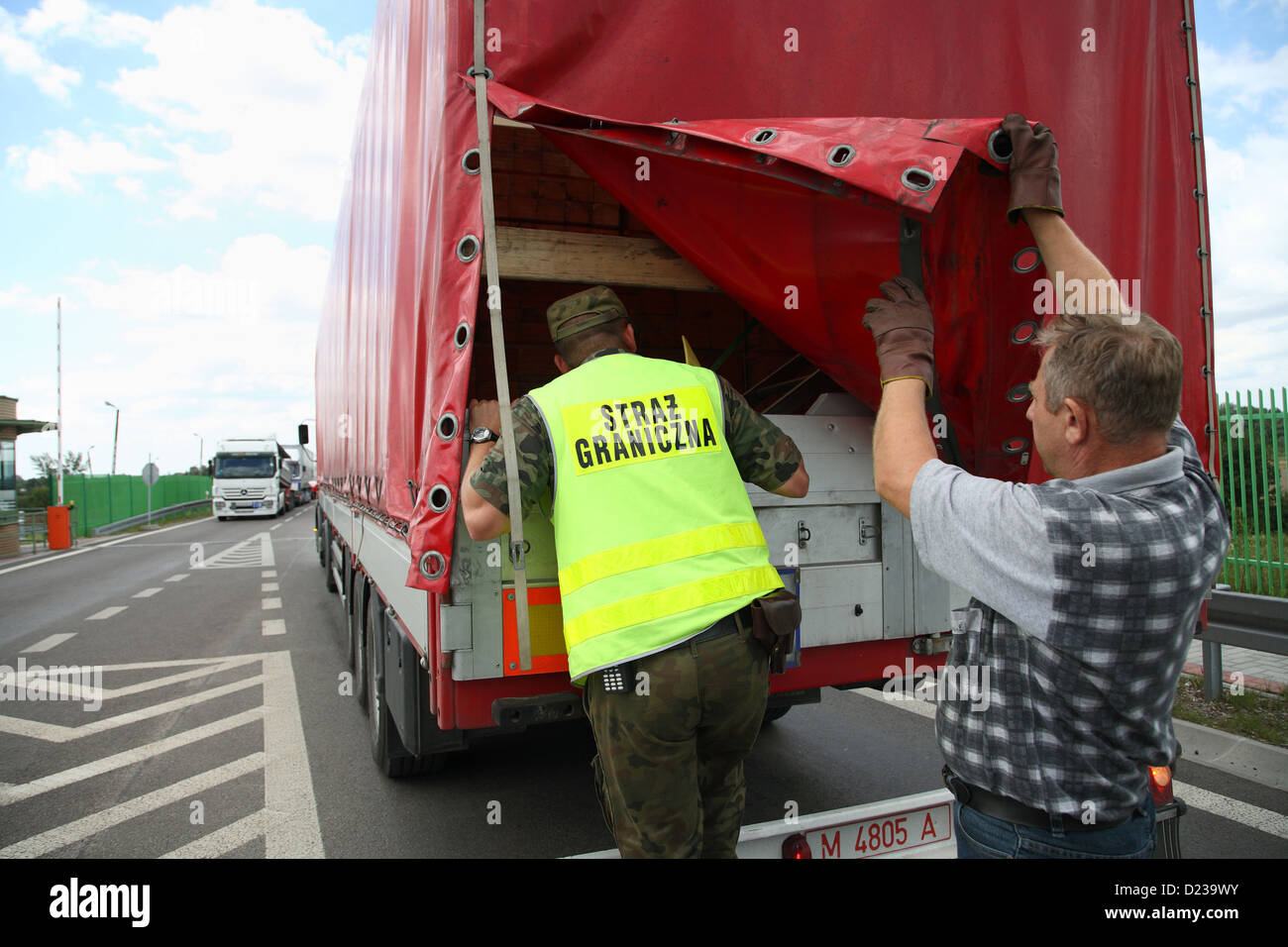 Koroszczyn, Poland, a Polish border guards in the control of a truck Stock Photo