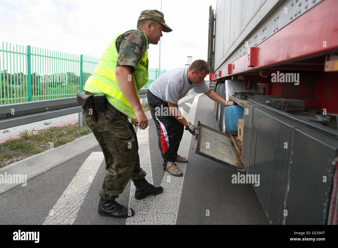 Koroszczyn, Poland, Polish border guards in the control of a truck on imports - Stock Image