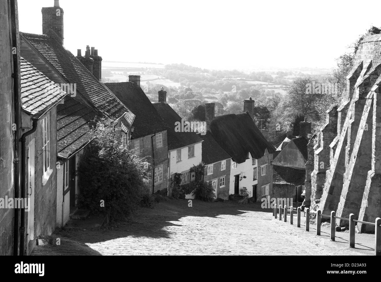 Gold Hill in Shaftesbury in Dorset in the autumn sunshine - Stock Image