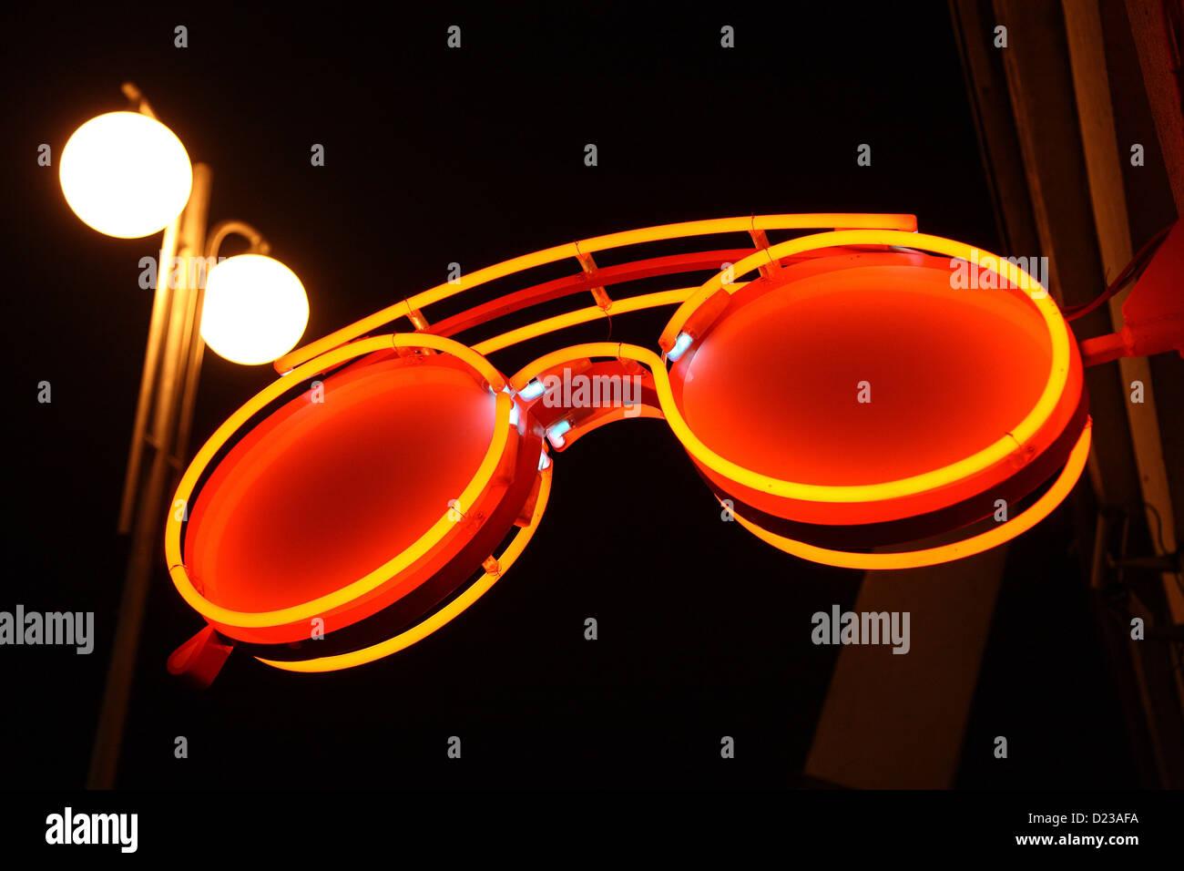 Neon Sign For Optician Stock Photos & Neon Sign For Optician Stock
