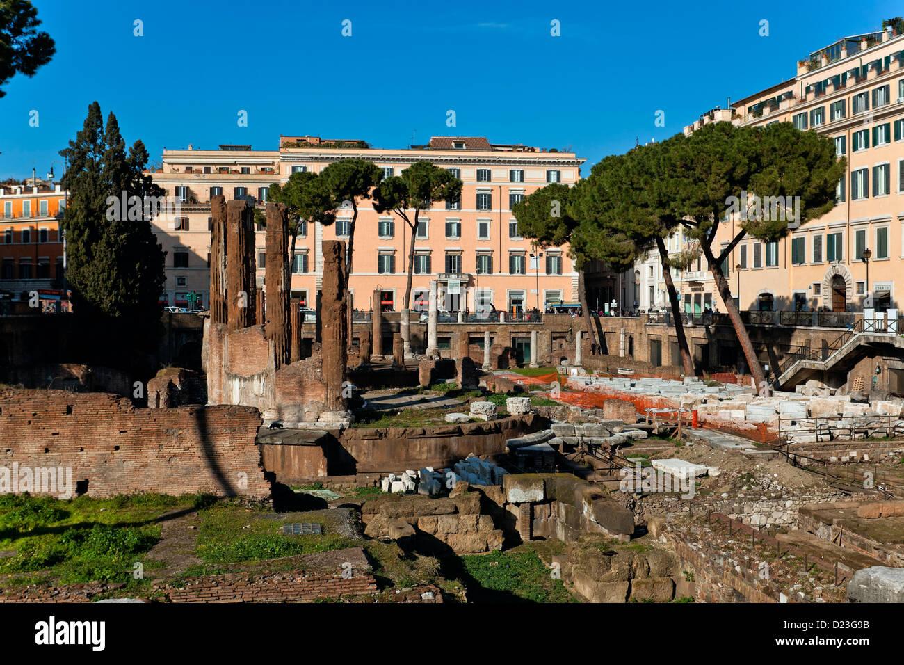 Antique circular temple, Area Sacra Argentina, Largo Torre Argentina, Rome, Lazio, Italy, Europe - Stock Image