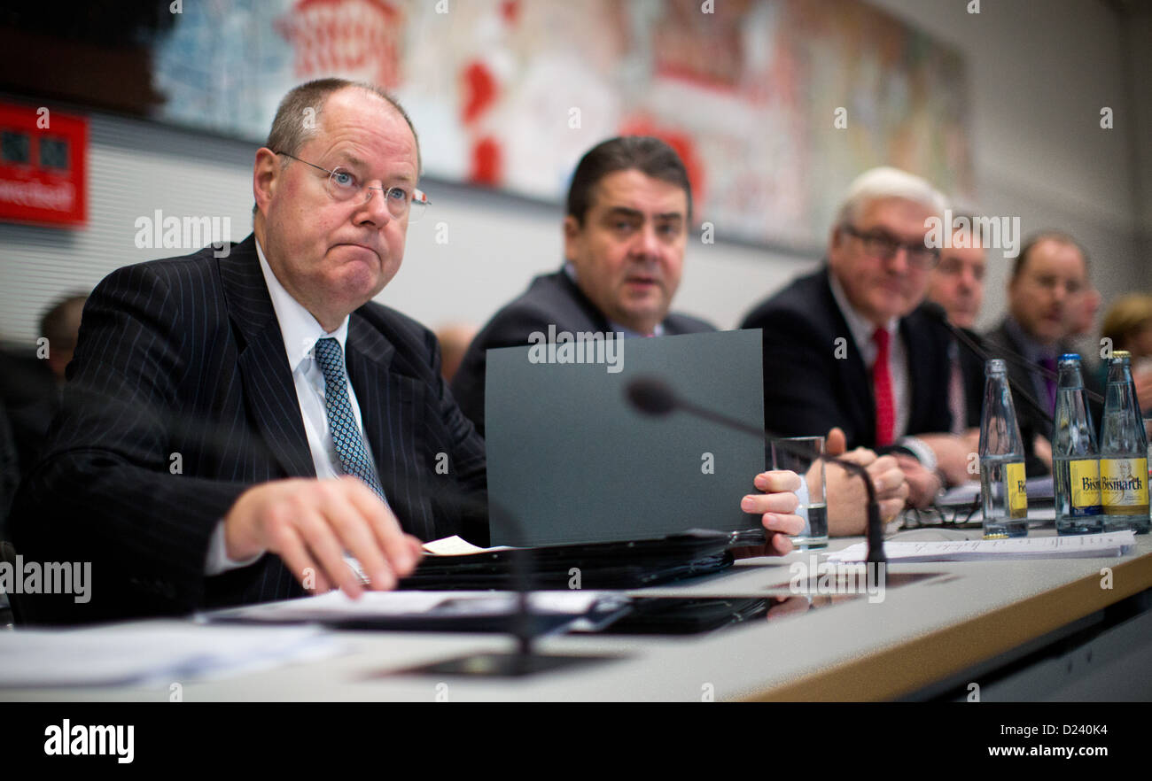 SPD chancellor candidate Peer Steinbrueck (L-R), SPD chairman Sigmar Gabriel and SPD parliamentary group chairman - Stock Image