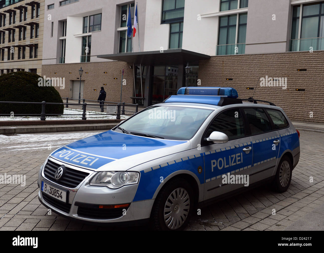 A police vehicle is parked in front of the French Embassy in Berlin, Germany, 13 January 2013. No extraordinary - Stock Image
