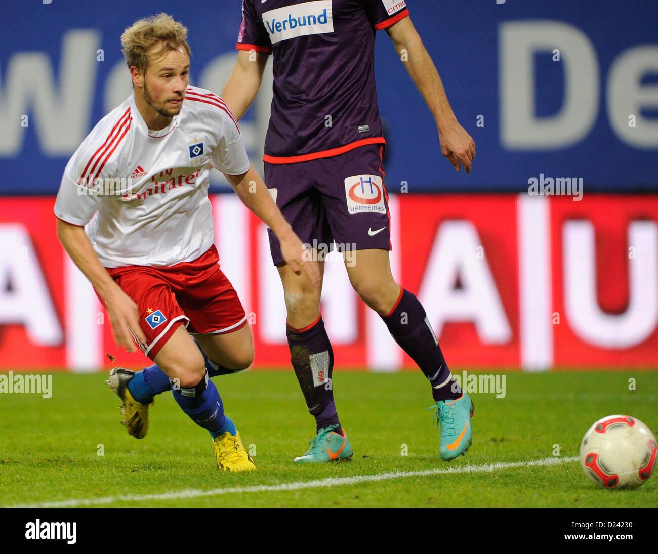 Hamburg's Maximilian Beister passes the ball during the soccer friendly Hamburger SV vs FK Austria Wien at Imtech - Stock Image