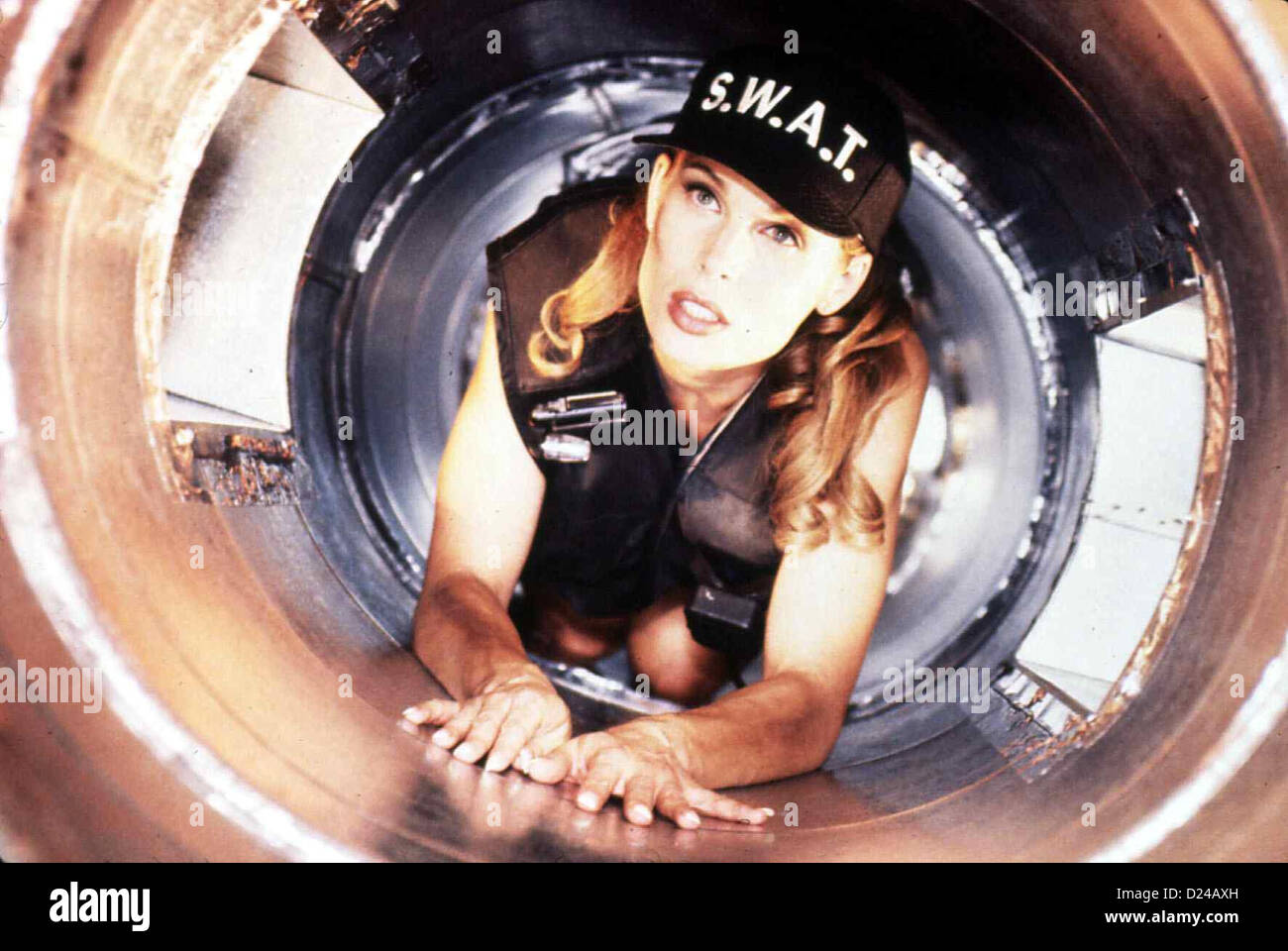 Strip To Kill Strip Siege Shannon Whirry Diane (Shannon Whirry) kann sich  aus der