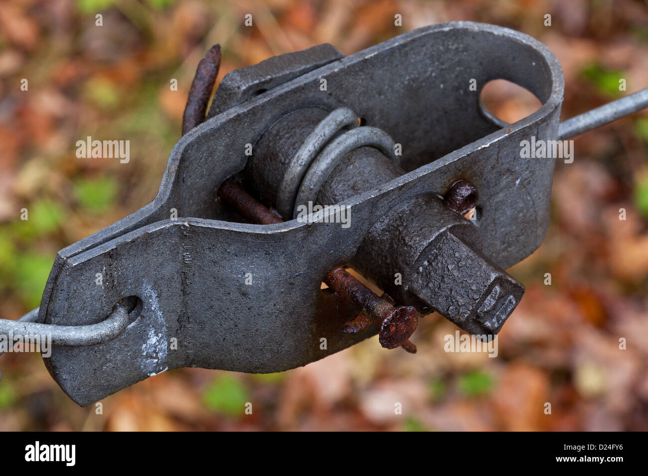 Wire Tensioner Stock Photos & Wire Tensioner Stock Images - Alamy