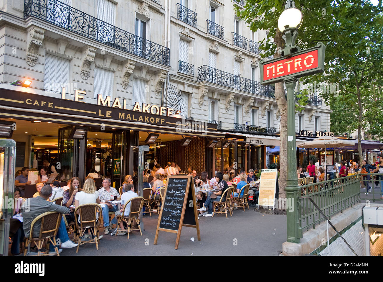 Paris France The Cafe Le Malakoff From Metro Station