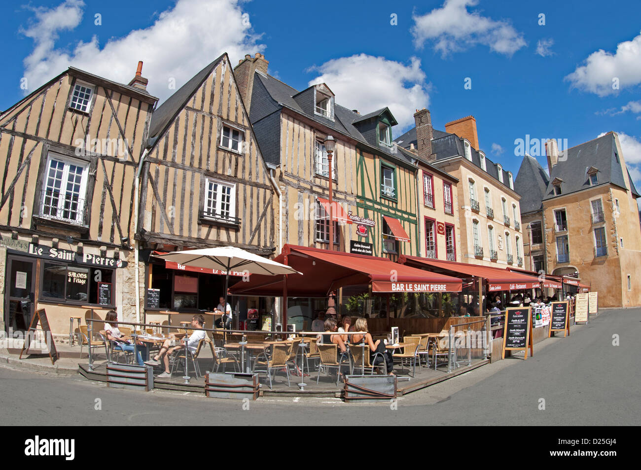 Bars in the Place de l'Aliberte in Le Mans in the Sarthe (72) departement of France Stock Photo
