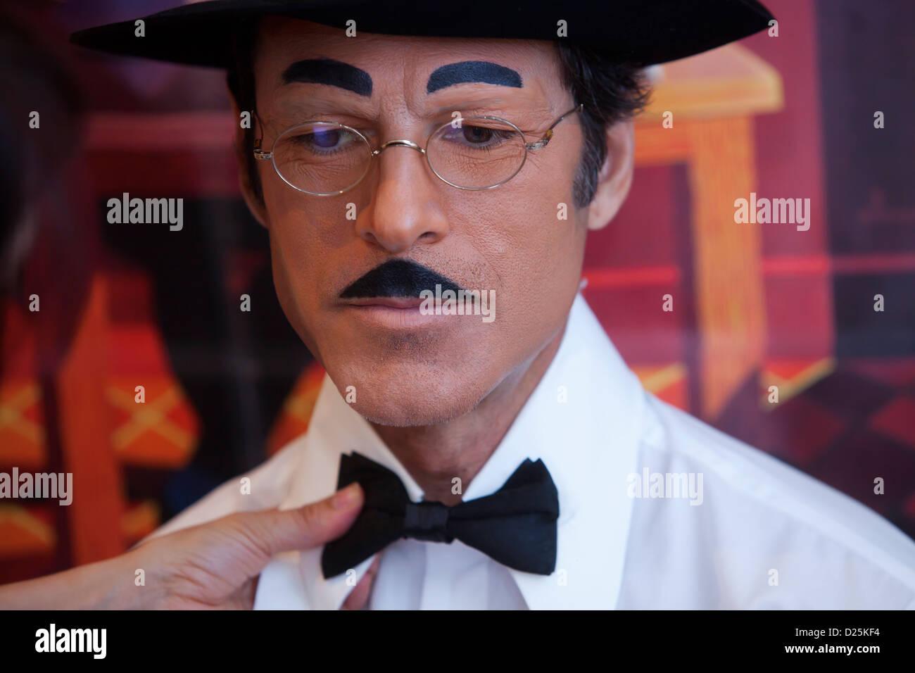 Portuguese actor Paulo Pires dressed up as the poet Fernando Pessoa, Lisbon, Portugal. - Stock Image