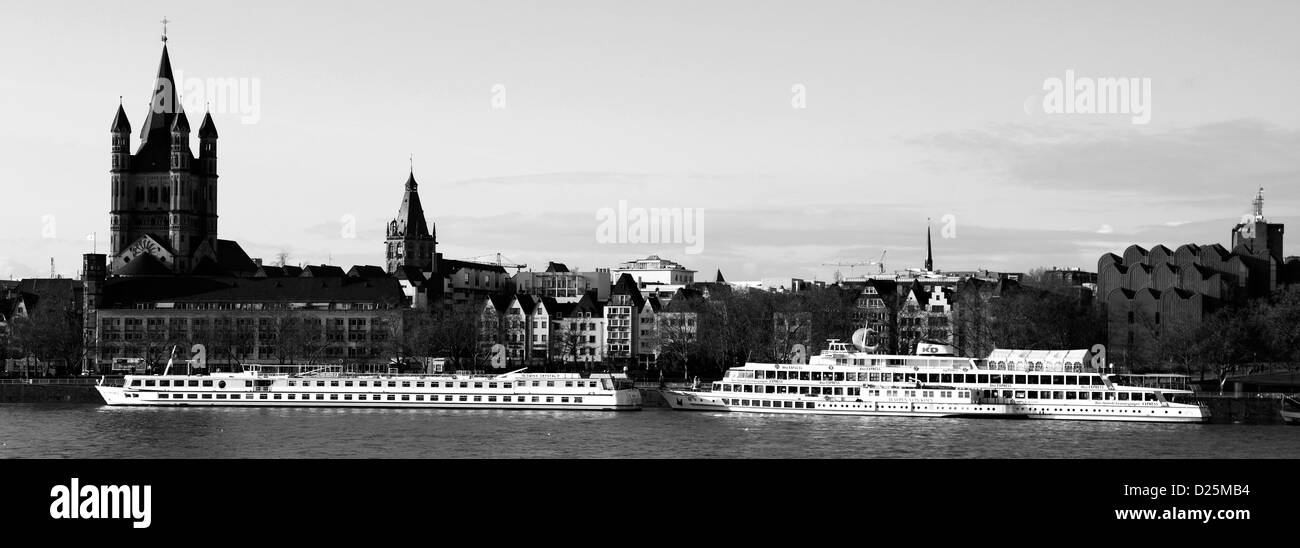 Cruise ships along the river Rhein, Cologne City, North Rhine-Westphalia, Germany, Europe - Stock Image