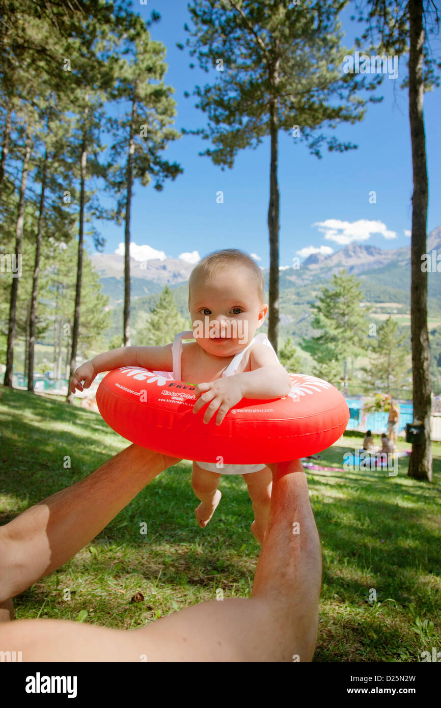 outdoors Exterior Outdoor Outside in air Airborne Mid-Air Midair carrying Carry holidays Holiday Vacation Vacationing - Stock Image