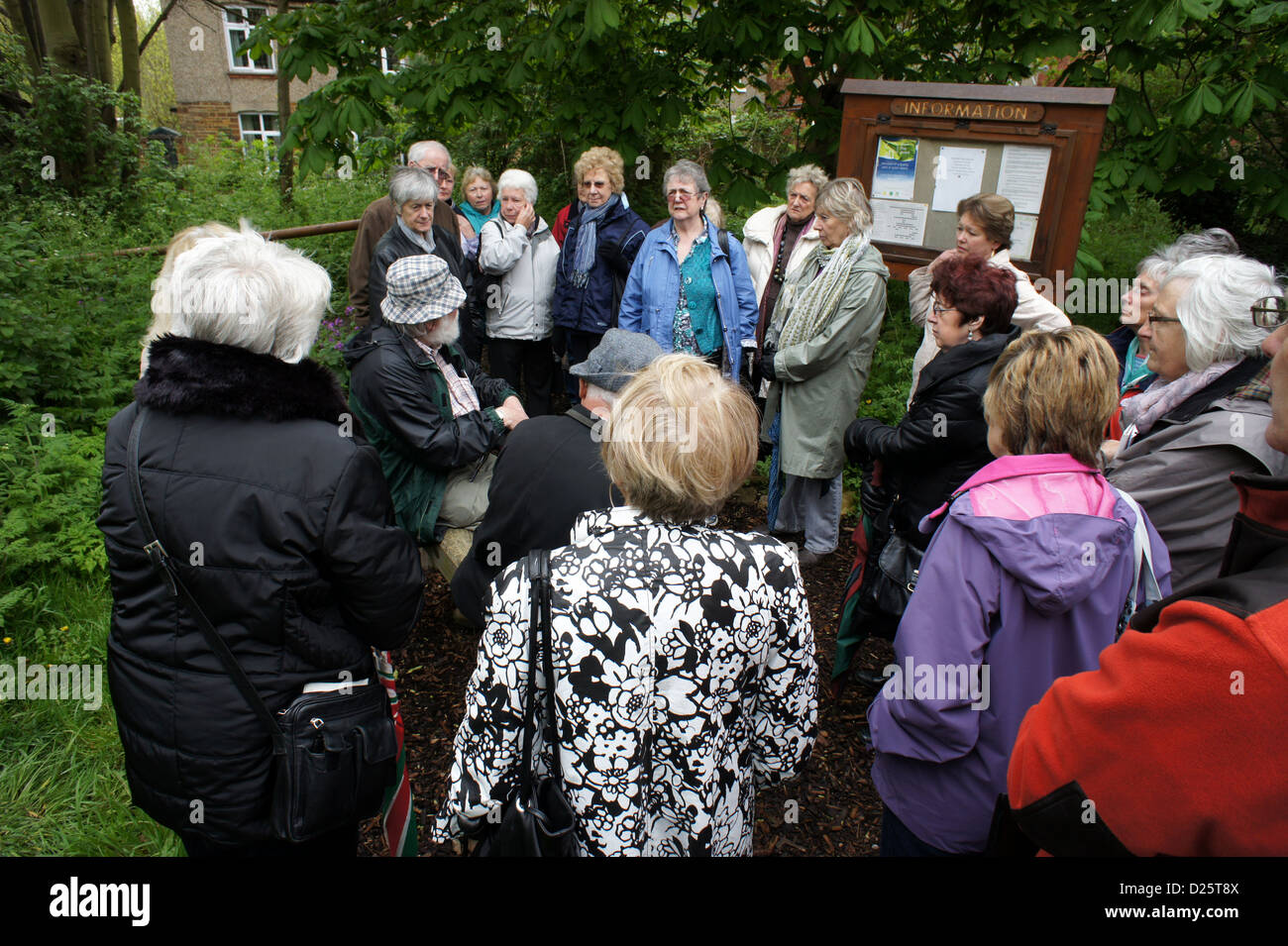 Members of a University of The Third Age group in Kingsthorpe pocket park, Northampton, UK - Stock Image