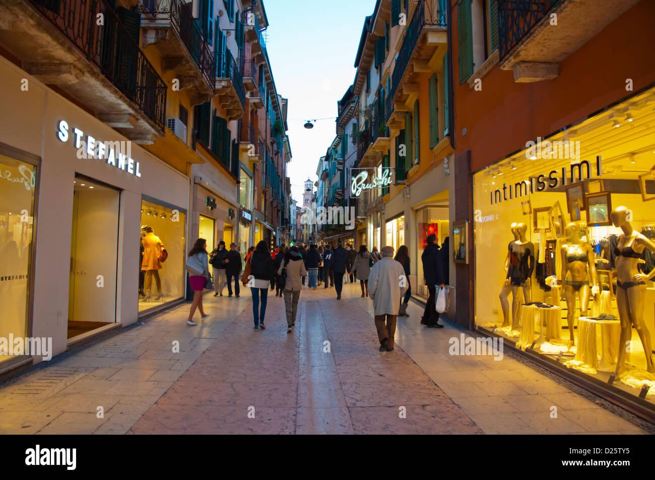 Via Mazzini pedestrian street central Verona city the Veneto region Italy  Europe 9b6720105f1