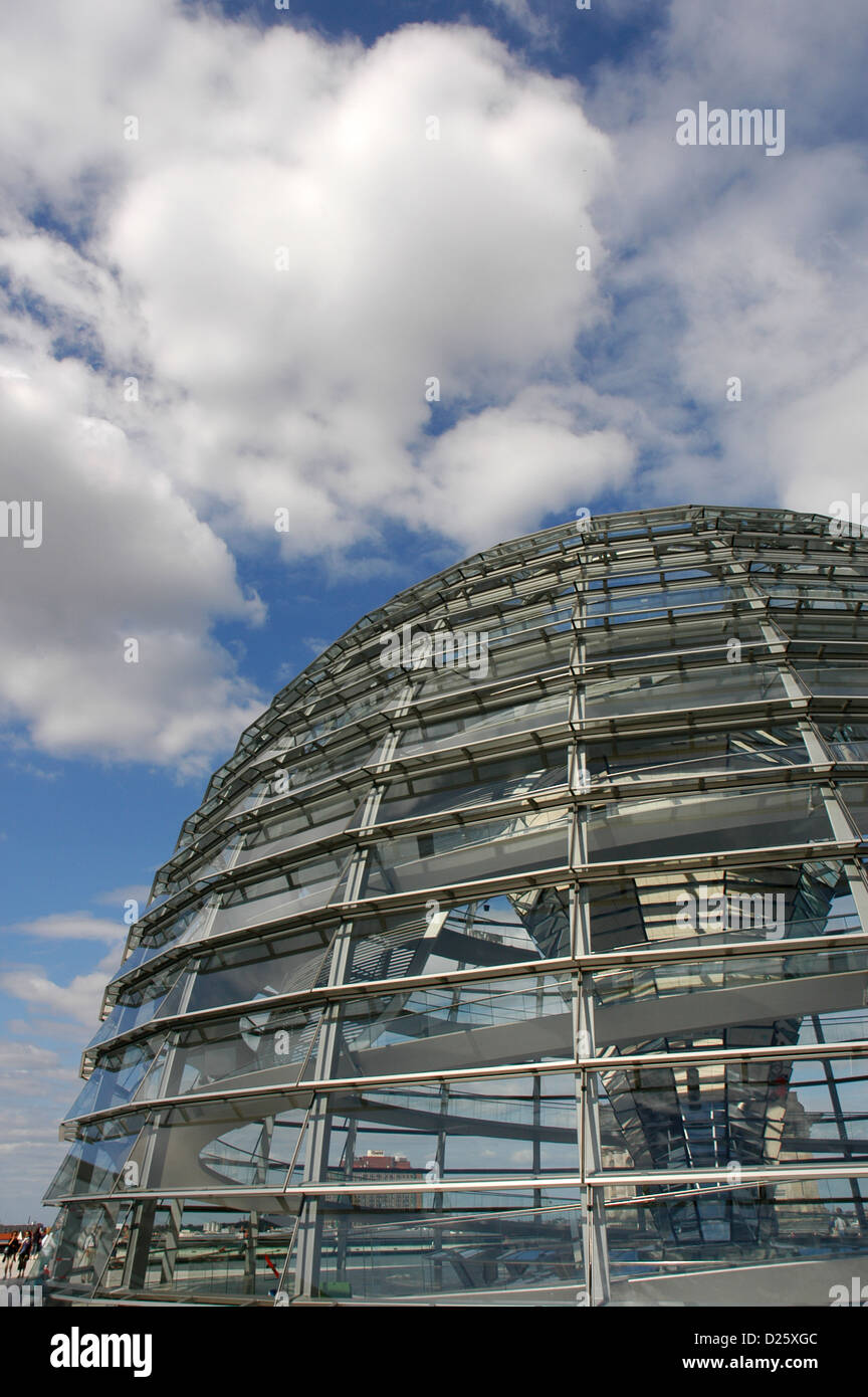 Dome of the Reichstag, seat of the German Parliament, designed by Norman Foster (b.1935). Exterior. Berlin. Germany. - Stock Image