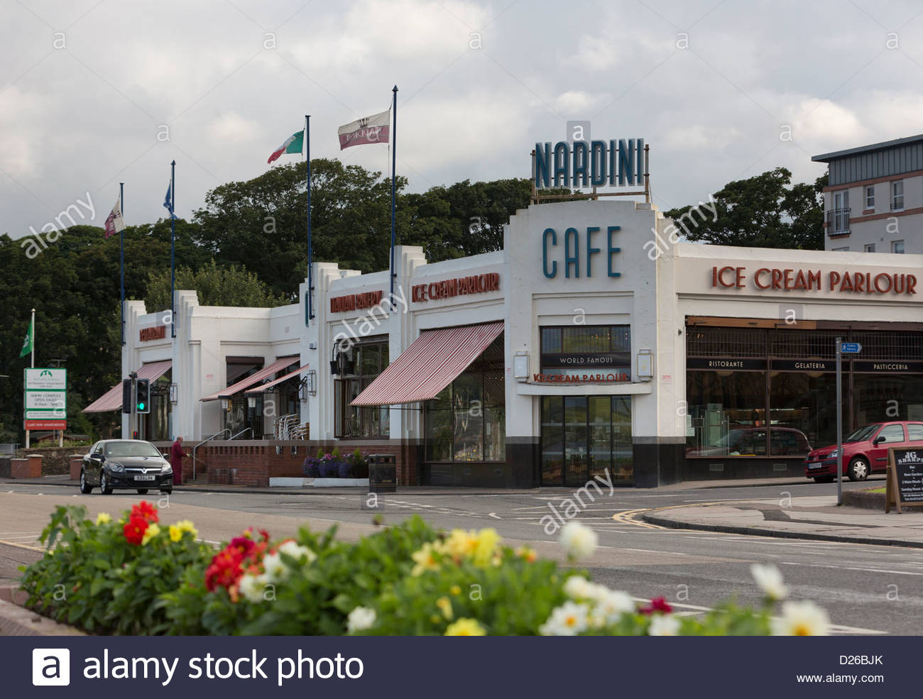Art Deco exterior of Nardini's cafe, restaurant and Ice cream parlour, Largs, Ayrshire - Stock Image