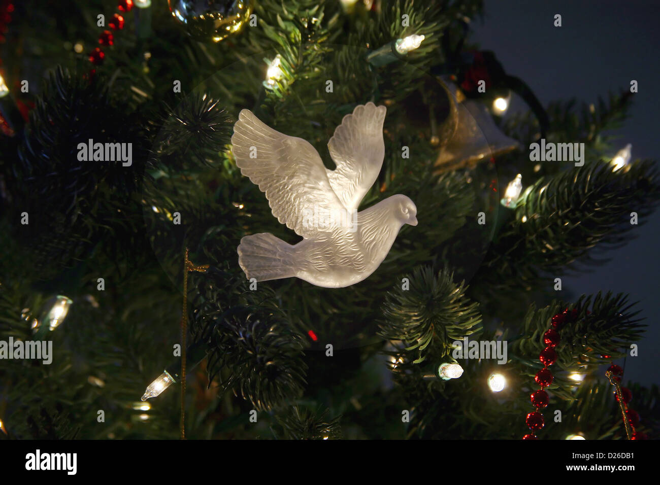 White dove Christmas ornament Stock Photo: 53002629 - Alamy