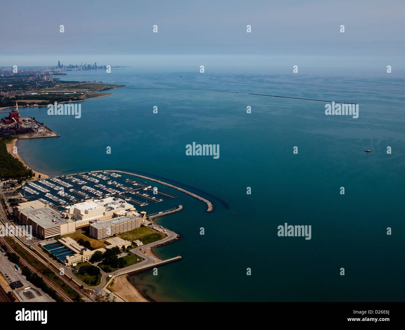 aerial photograph Horseshoe Hammond Casino, Hammond, Indiana toward Chicago skyline - Stock Image