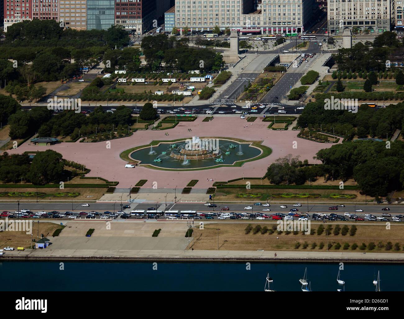 aerial photograph Buckingham Fountain, Grant Park, Chicago, Illinois - Stock Image