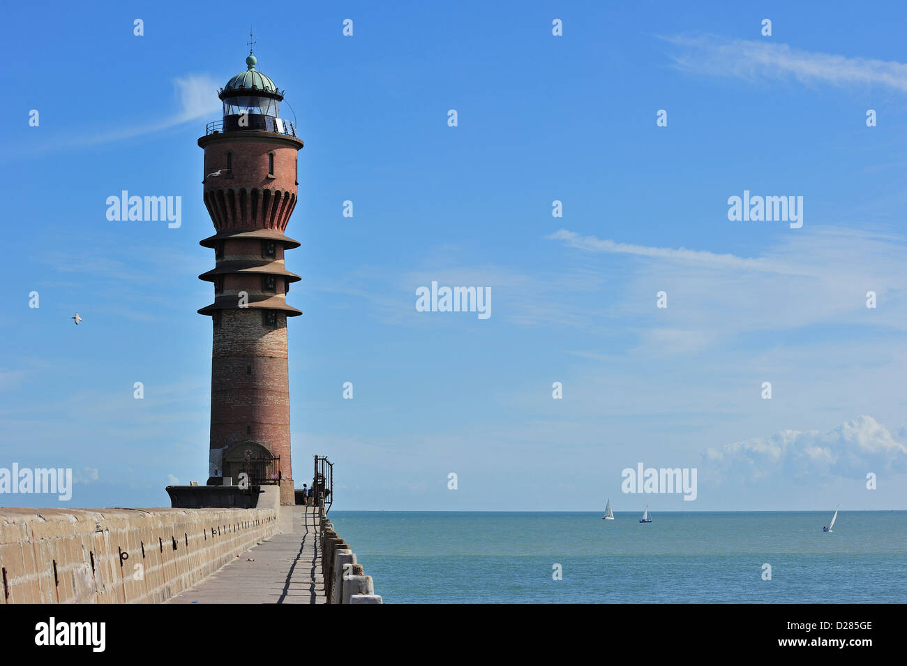 The lighthouse Feu de Saint-Pol at Dunkirk / Dunkerque, Nord-Pas-de-Calais, France - Stock Image