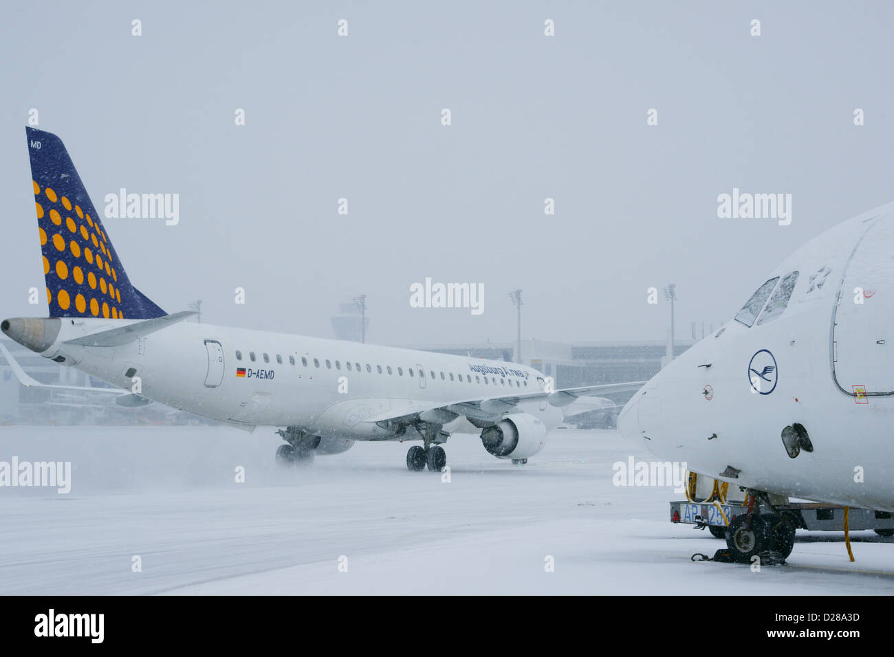 Aircraft, in, Winter, Snow, Munich Airport, MUC - Stock Image