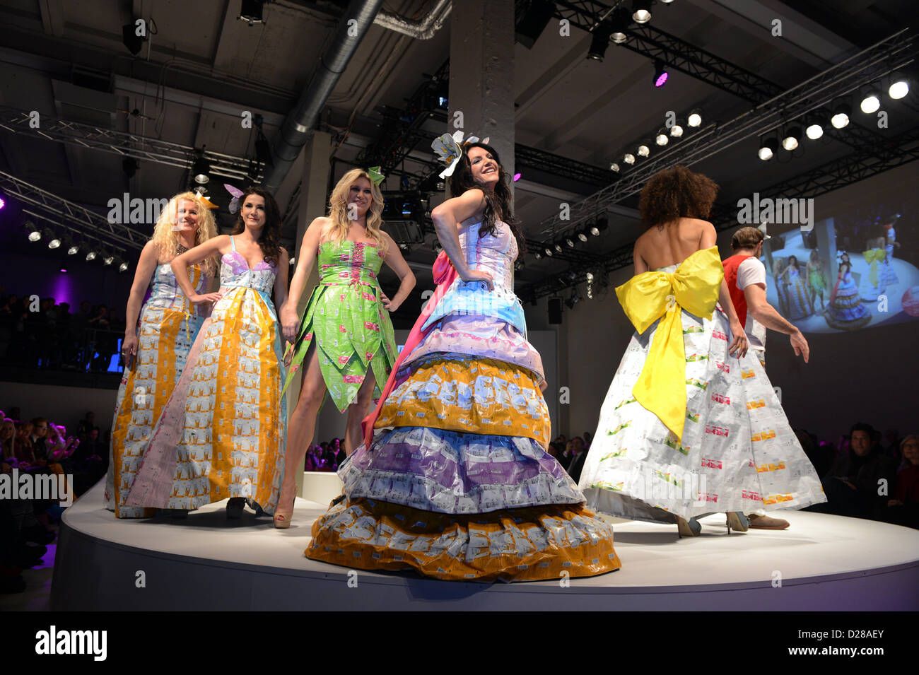 (L-R) Klara Ahlers (Lavera), Mariella Ahrens, Magdalena Brzeska, Christine Neubauer, Annabelle Mandeng and Bernhard Bettermann present creations at the Green Brand Lavera opening from designer Katell Gelebart during the Fashion Week in Berlin, Germany, 16 January 2013. The presentations of the autumn/winter 2013/2014 collections take place from 15 to 18 January 2013. Photo: Jens Kalaene/dpa  +++(c) dpa - Bildfunk+++ Stock Photo