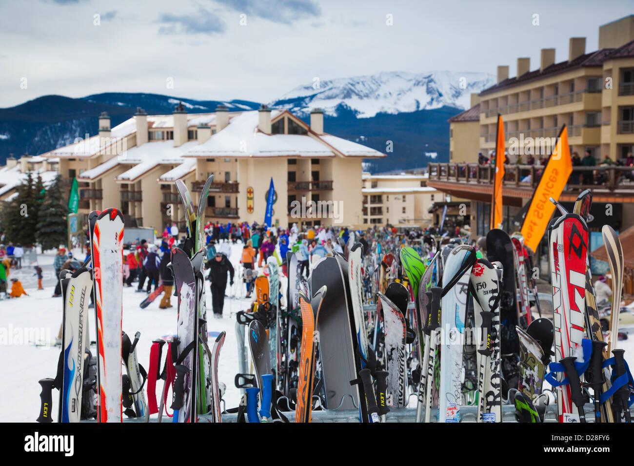 USA, Colorado, Crested Butte, Mount Crested Butte Ski Village, skis - Stock Image