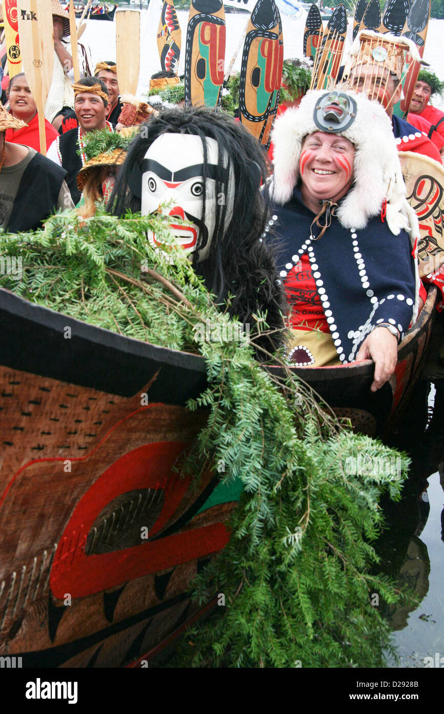 Arrival Of Canoes At Tribal Journeys Cowichan Bay, B.C., Canada - Stock Image